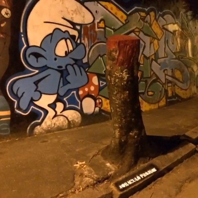 #oraculoproject #streetart #manifesto #urbanart #graffiti #streetartphotography #artederua #arteurbana #loop #urbanwalls #mothernature #respect #love #nature #intervention #riodejaneiro #smurfs #sculpture #escultura #cartoon #choppedtree #streetartrio #arvorecortada #escultura #crime #riodejaneiro #oraculotrees #streetartglobe #intervention #bleedingtree #arvoresangrando #intervencaourbana #smurf : assassinada moradora de santa teresa.... Smurf , testemunha ocular do crime esta internado em estado de choque. . Directed by : Oraculoproject Produced by : Oraculoproject Music by : Oraculoproject Photography by : Oraculoproject Editing by: Oraculoproject Art direction by: Oraculoproject Cast (in credits order) : Oraculoproject Assistant director : Oraculoproject Special effects : Oraculoproject Visual effects : Oraculoproject Camera : Oraculoproject Stunts: Oraculoproject Transportarion dep. : Oraculoproject Crew: Oraculoproject