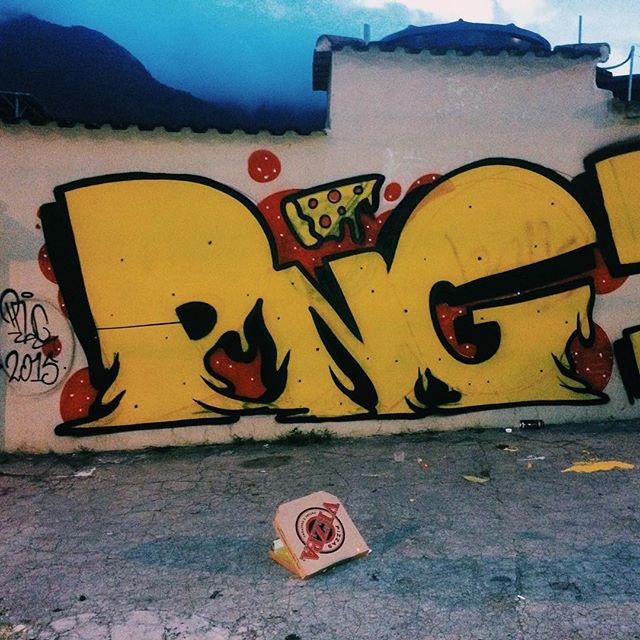 por: @pedrongomes •. #rjvandal #streetartrio #streetart #graffiti #graffitiart #art #riodejaneiro #tags #tagsandthrows #throwsup #throwsupz #bombing #bomb #grafite #artist #artoftheday #arteurbana #rj #urbanart #artederua #rua #graffitiwall #sprayart #vandal #galeriaceuaberto #olheosmuros #bombingbrasil #graffitirio #art #makeartnotwar