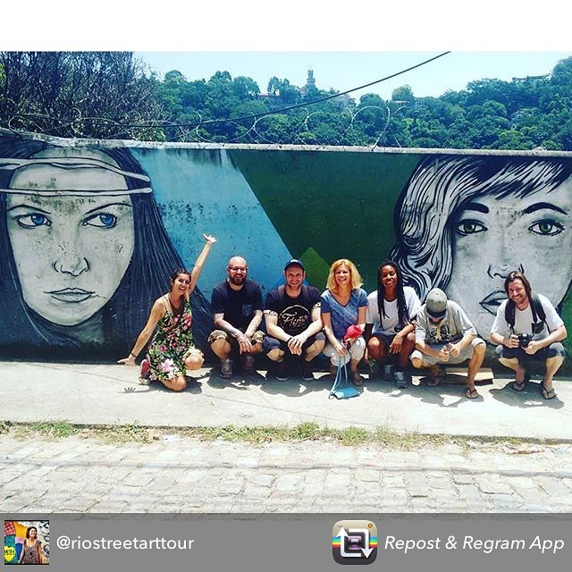 Rio street art tour group photo #Rio #holiday #art #streetart #graffiti #streetartphotography #streetartrio #riostreetarttour #graff