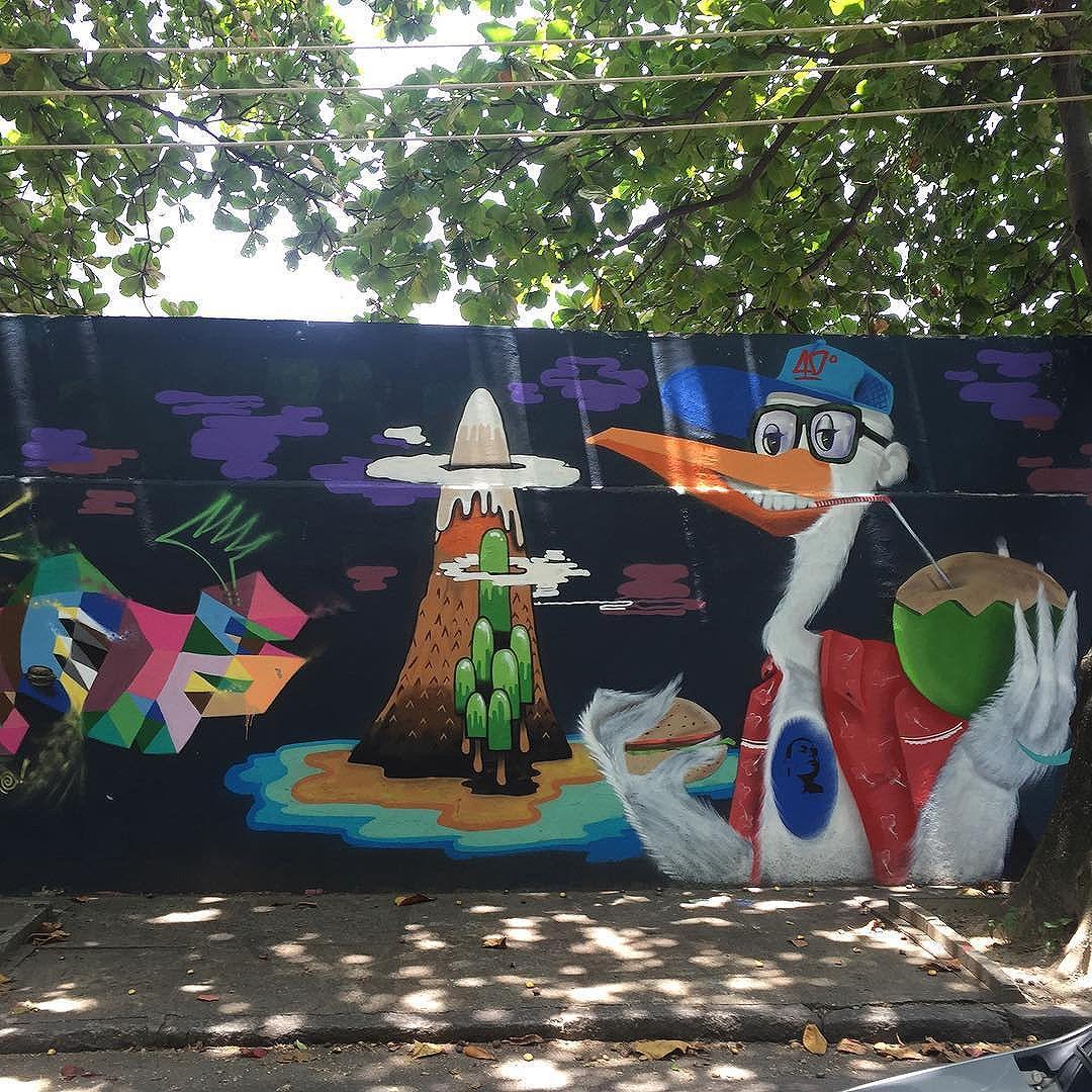 Rio street art tour #Rio #holiday #art #streetart #graffiti #streetartphotography #streetartrio #riostreetarttour #graff