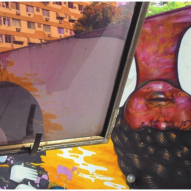 . #upsidedown #streetart #streetartrio