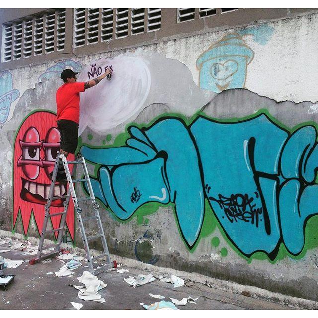 Ação !! #instaart #spray #riodejaneiro #rj #instagraffiti #graffiti #graffite #artederua #art #artist #urbanart #graffitibrazil #graffitebrazil #loveart #spraypaint #streetart #freestyle #graffitirj #graffrio #rua #mtn #hiphop #streetartrio #ruasdazn #trapacrew #tafaltandomuro