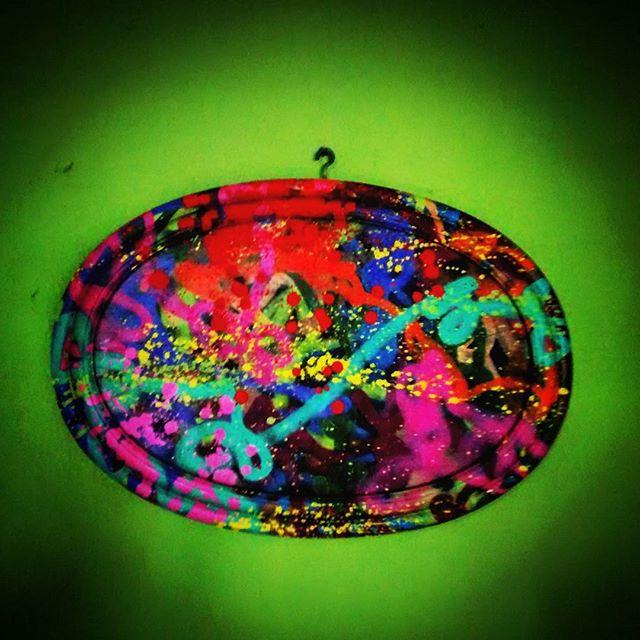 Arte do lixo. Telinha. 'Confusão' Chuva de cores. #arte #graffiti #tela #instagraffiti #instaarte #streetartrio #streetart #rj #Rio #jcs #021crew