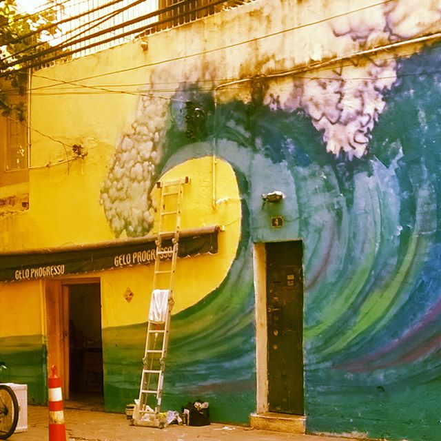 Continuando... / surf goes on... . . #waves #bigwaves #surf #surfporn #surfart #riosurfcheck #surfpainting #surfgraffiti