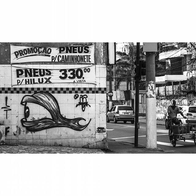 Cotidiano difícil #graffiti #streetart #xarpi #rjvandal #streetartrio #streetbombing #riscocrew #rj #niteroi