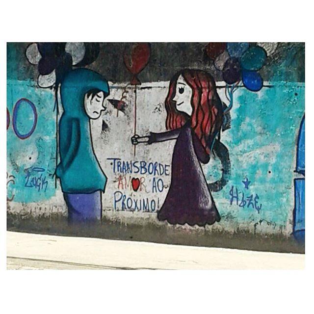 Love is all we need.  #olheosmuros #streetart #streetartrio #modicesinspira