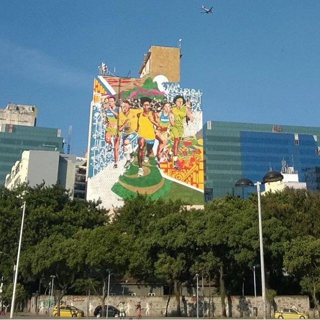 #StreetArtRJ #StreetArtBR #StreetArtRio #PorAíNoRio #DandoUmRoléPorAí #DandoUmRolé #DandoUmRoléNoCentroRio #ArteGrafitti #GrafittiRJ #GrafittiArt #PorOndePasso #PorOndePassoTiroUmaFoto #OQueVejoPorAí #SobreOCéuQueNosProtege #CentroRio #CentroRJ #RioGrafitti #CorreBrasilCorre #RunBrazilRun