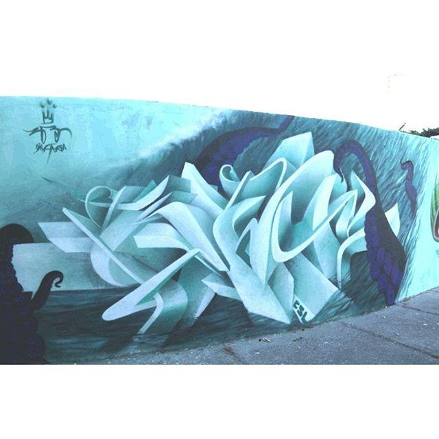 Trampo finalizado! Nesse super evento que soma com a cena nacional da arte de rua. Cabo Frio 400 cores, 400 anos, 400 graus Vlw galera do TA NA RUA pelo convite! E simbora pra segunda edição! :) Rs #400Cores #cabofrio #letra #letter #Graffiti #3D #csl #arteurbana #streetart #streetartrio #cabofrio #praiadoforte #Gilfaria #gilzin