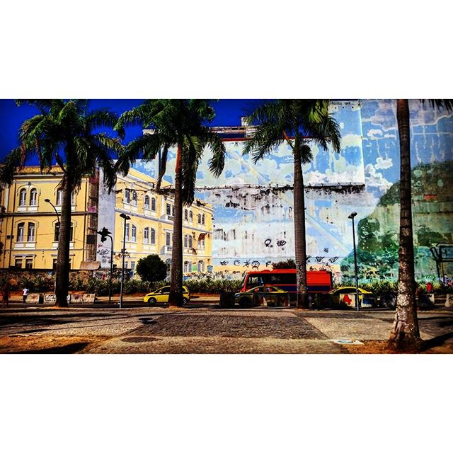 Uma perspetiva de Lapa. #Lapa #StreetArtRio #RJ #RioDeJaneiro #IgersBrazil #PicOfTheDay #Carnaval2016 #Graffiti #GraffitiArt #Visual #LapaArt