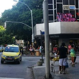 por: @kcbrcrew • #rjvandal #streetartrio #streetart #graffiti #graffitiart #art #riodejaneiro #tags #tagsandthrows #throwsup #throwsupz #bombing #bomb #grafite #artist #artoftheday #arteurbana #rj #urbanart #artederua #rua #graffitiwall #sprayart #vandal #galeriaceuaberto #olheosmuros #bombingbrasil #graffitirio #art #makeart