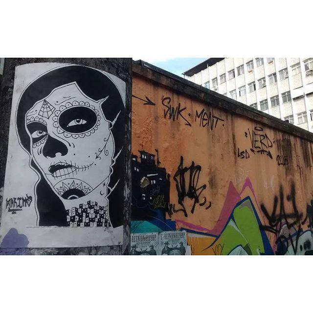 por: #marino @marceloment @marcioswk @kaduori • #rjvandal #streetartrio #streetart #graffiti #graffitiart #art #riodejaneiro #tags #tagsandthrows #throwsup #throwsupz #bombing #bomb #grafite #artist #artoftheday #arteurbana #rj #urbanart #artederua #rua #graffitiwall #sprayart #vandal #galeriaceuaberto #olheosmuros #bombingbrasil #graffitirio #art #makeart