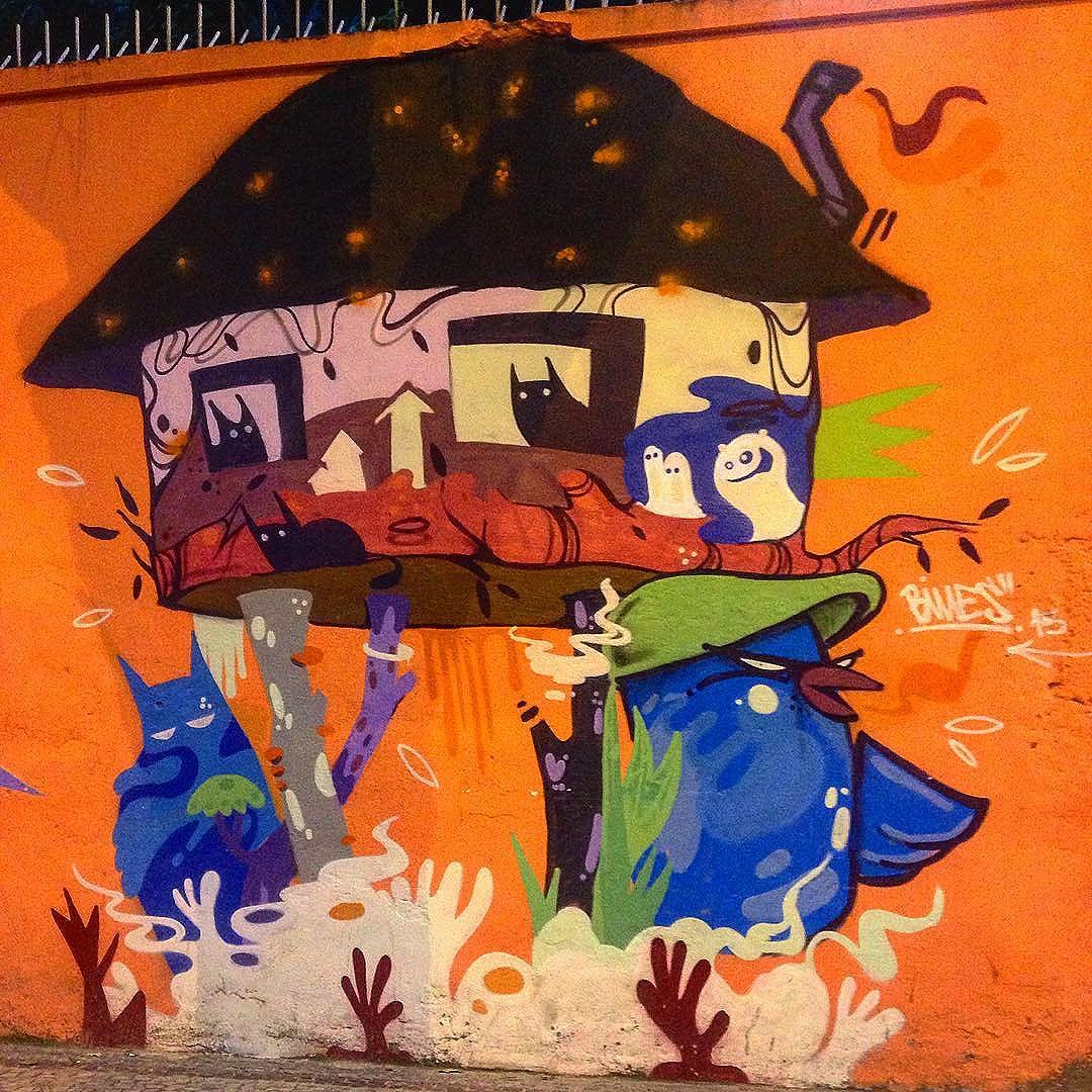 @bivup Laranjeiras/RJ. #streetart #streetartrj #streetartrio #streetarthunter #graffiti #grafite #instagrafite #riodejaneiro #rj #aruaénóiz #arteurbana #artederua