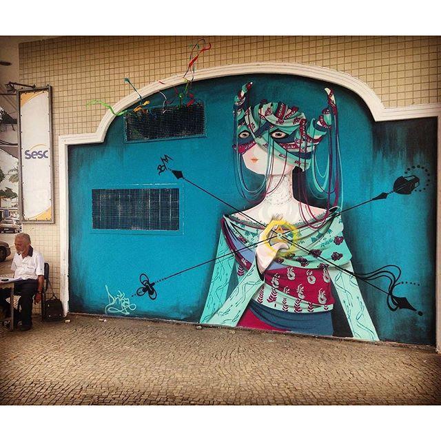 @drikachagas в Рио-де-Жанейро. #drikachagas #streetartrio #streetartrj #graffitirio #graffitirj #streetartbr #igersbrazil #ig_brazil #graffitibrazil #граффити_tschelovek #streetart #urbanart #graffiti #mural #стритарт #граффити #wallart #graffitiart #artederua #grafite #arteurbana #wall #graffiticulture #graffitiwall #streetart_daily #streetarteverywhere