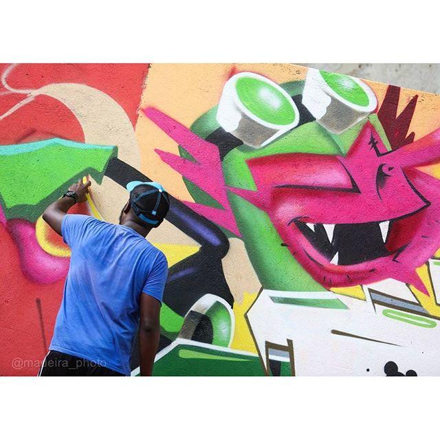 Captura do monstro @madeira_photo, vlw mestrão! #graffitiart #graffiti #graffitiartist #spraypaint #spraycanart #streetartrio #juryrigg #ben10