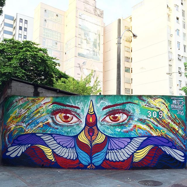 Com @brunobig no #largodomachado . #graffiti #streetartrio #instagrafite #riodejaneiro #rio #art #spraypaint #freestyle #freehand #brunobig #mentone #marceloment