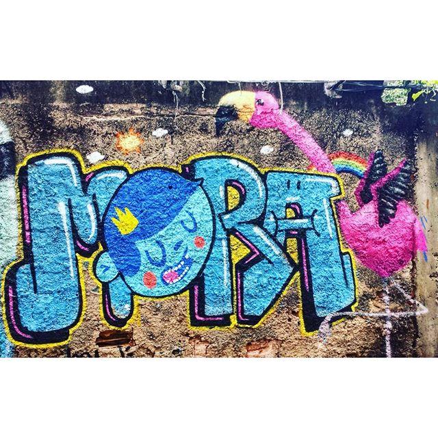 Durante o evento da 021 Crew que rolou nesse fim de semana. @nadigraffiti Mora e eu no detalhe :) Só alegria. Satisfação total!! #trapacrew #rafagraffiti #rafa #rafaelgeraldo #flamingo #flamenco #rainbow #graffiti #graff #grafite #streetartrio #streetart #streetartrj #nadi #mora
