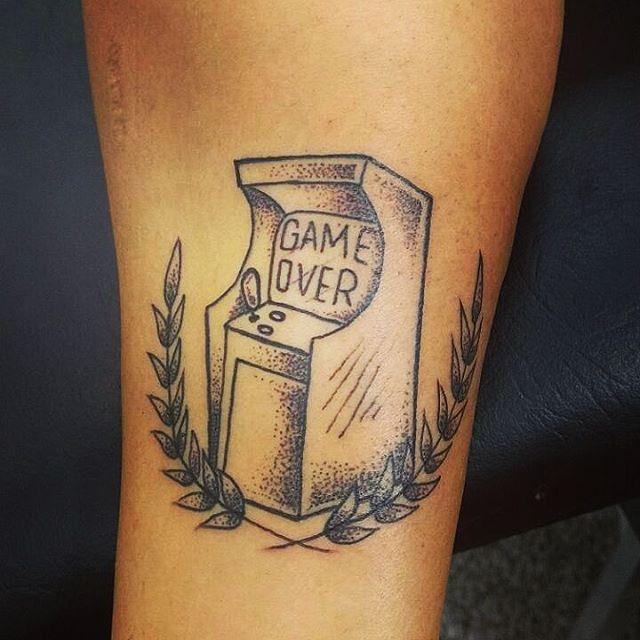 Go test tattoo! Ahahahaha Vlw Mamuska por ceder a peleeeee! #felipeblunt #streetartrio #streetart #gotattoo #testtattoo #goink #gosketch #gosketchhuman