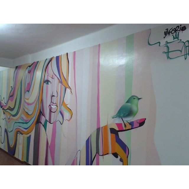 """MUSA"" #hoteldaloucura #streeart #streetartrio #mulher #natureza #Graffiti #Graffiticarioca #colors #cores #Gilfaria #gilzin #urbanart #tecnicamista #spray #spraypaint"