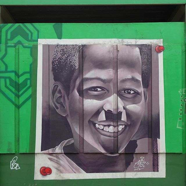 Mural by @Afa1987 for @Metro_Rio in Inhaúma in Rio de Janeiro, Brazil. Beautiful portrait of a child at a local school!