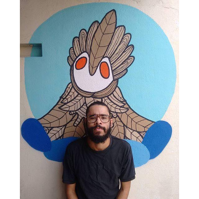 Nas pose #pose #photo #zonaoeste #rj #streetart #streetartrio #rjvandal #rjgraffiti #arteurbana #artederua #braziliangraffiti #brazilianart #artgallery #instagraffiti #art #artesvisuais #visualart #muralsdaily #muralismo #murals #mural