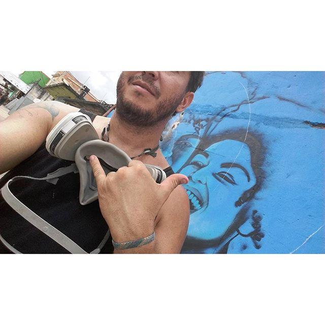 """""""Tá tranquilo tá favoravel"""" #tudoazul #azul #blue #Graffiti #Graffiticarioca #street #streetartrio #gilzin #Gilfaria #minhanega #negaminha #esboço"""