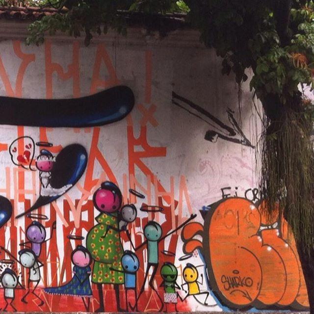 Tanta beleza espalhada pelas ruas... (essa na rua Jardim Botânico, do talentosíssimo @warkrocinha) parte 1 de 3 #warkrocinha #streetart #StreetArtRio #grafite #grafitti