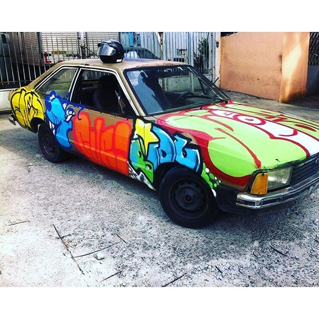 Vruuuummm ... Graffiti Móvel #ruasdazn #churrasgraffiti #rjvandal #artistasurbanoscrew #penharj #rjvandal #streetartrio #streetartbrasil #ilovegraffiti #writer #vandal #zonanorteetc #zonanorte #riodejaneiro #bomb #thagsandthrows #throwup #throwup 2016