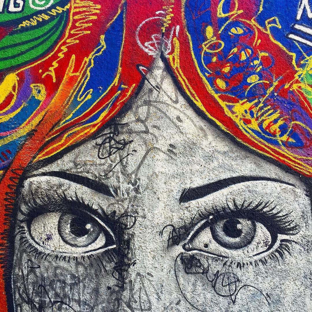 Dia de renovar... #graffiti #spraypaint #streetartrio #artwork #mentone #marceloment #riodejaneiro #largodomachado
