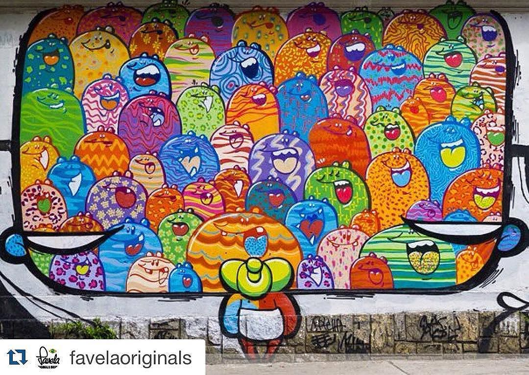 Foto de um trampo que da saudade #Repost @favelaoriginals with @repostapp. ・・・ Meanwhile back in the city... #favelas #originals #riodejaneiro #saopaulo #streetart #streetartrio #streetphotography #londonfashion #londonart #urbanart #urbanwalls #favela #skateboarding #surf #pixacao #graffiti #pichacao #spraycanart #stencilart #osgemeos #menswear #beach