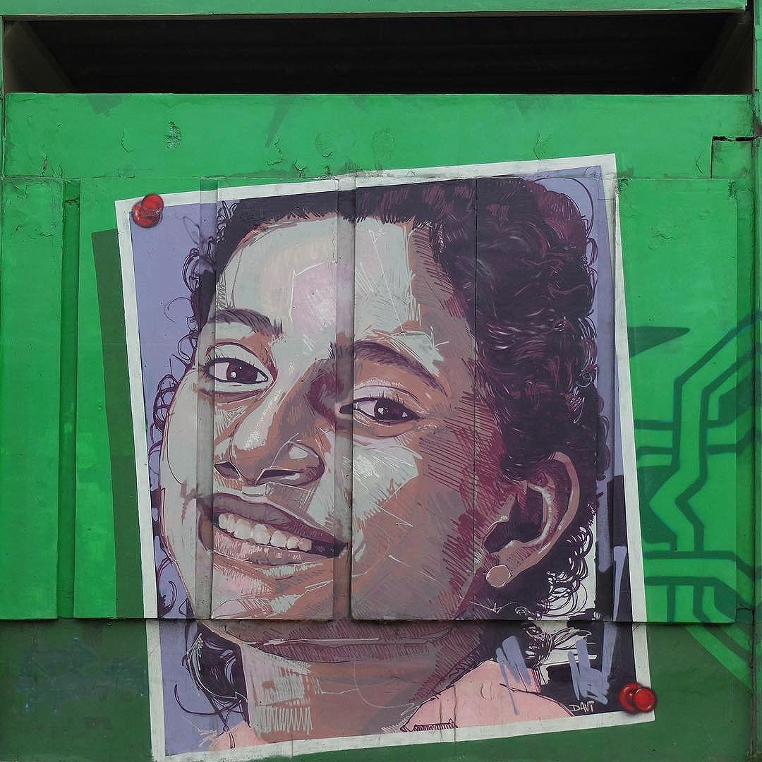 Mural by @Davi.Baltar for @Metro_Rio in Inhaúma in Rio de Janeiro, Brazil. Beautiful portrait of a child at a local school!