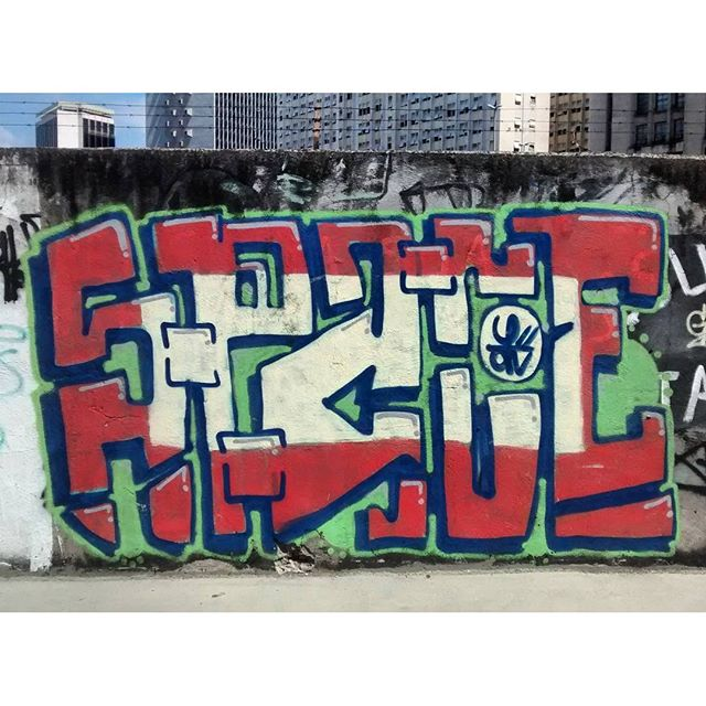 por: #Space • #rjvandal #streetartrio #streetart #graffiti #graffitiart #art #riodejaneiro #tags #tagsandthrows #throwsup #throwsupz #bombing #bomb #grafite #artist #artoftheday #arteurbana #rj #urbanart #artederua #rua #graffitiwall #sprayart #vandal #galeriaceuaberto #olheosmuros #bombingbrasil #graffitirio #art #makeart
