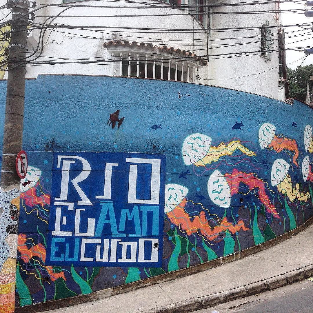 Rio, eu amo eu cuido #graffiti #grafporn #streetart #streetartrio #streetartglobe #urbanart #spraydaily #muralsdaily #babilonia #riodejaneiro #Brazil