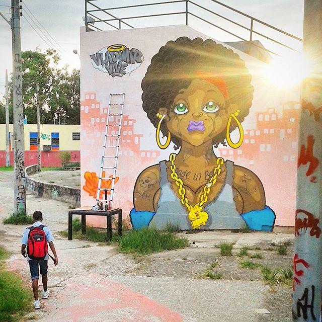 #sonbil #graffiti #spraypaint #tapú #blackpower #rip #barbaruiva #graffitiart #streetart #streetartrio #ruasdazn #vladimirvive Uma singela homenagem a esse grande amigo...