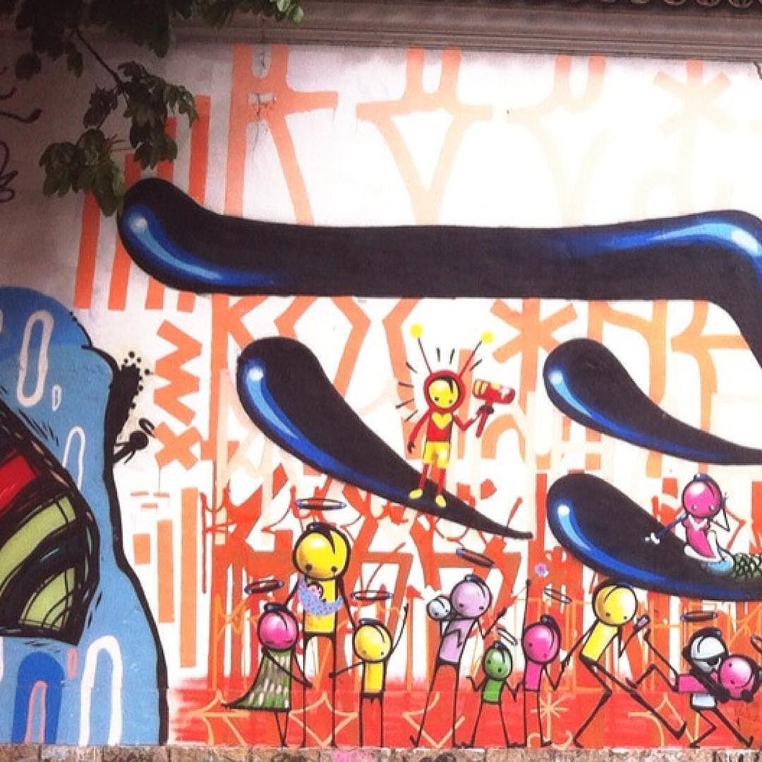 Tanta beleza espalhada pelas ruas... (essa na rua Jardim Botânico, do talentosíssimo @warkrocinha)    parte 3 de 3  #warkrocinha #streetart #StreetArtRio #grafite #grafitti