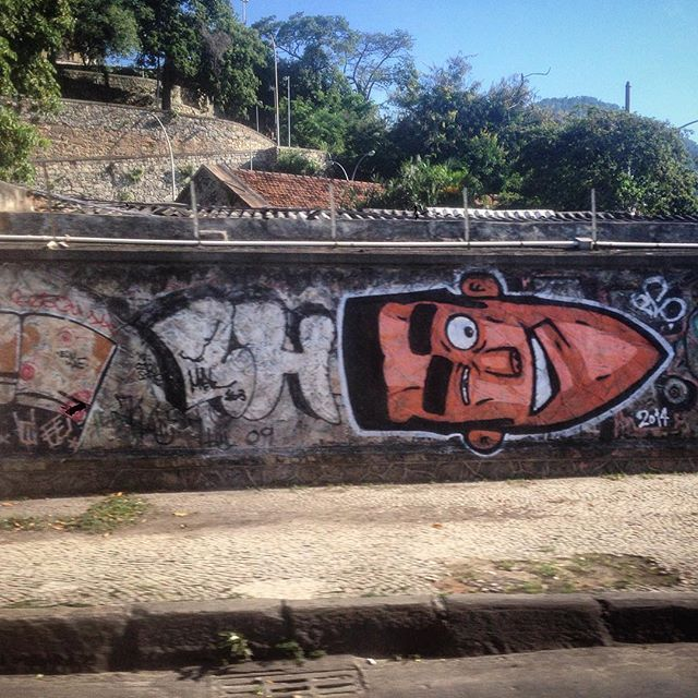 Art done by @marceloeco #graffiti #grafporn #streetart #streetartrio #streetartglobe #urbanart #spraydaily #muralsdaily #gloria #riodejanero #brazil