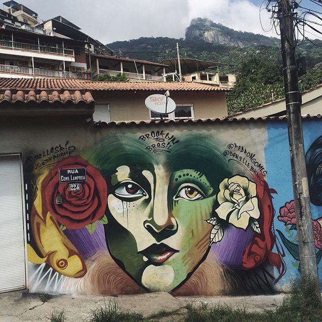 Brooklyn to Rio • Art-Fusion com @daniellebknyc + @justinphame + @bellasrio! Satisfação máxima! • #ValeAPenaSubirALadeira #PNGone #streetartrio