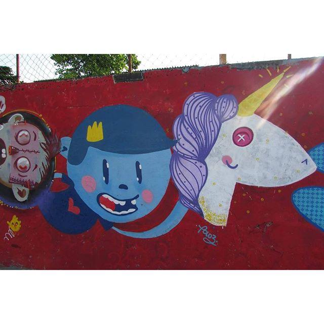 Da sua cabeça sai criança, sai brincadeira, sai felicidade. #trapacrew #streetartrio #streetart #ramos #graffiti #grafite #urbanart #nadigraffiti #unicorn