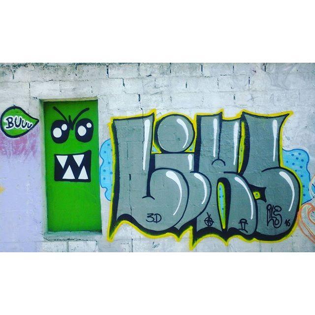 """..Falou de evento bom Lembrei do morro da alta.."" haha #GraffitiBrasil #GraffitiRioDeJaneiro #Graffiti #StreetArtRio #StreetArt #ArteDeRua #ArtUrban #ArteUrbana #Arte #Art #Rua #Street #ILoveBombing #Bomb #Letters #Letras #HipHop #HipHopGirl #Cor #RjVandal #Vandal #RioDeJaneiro #ZNNZ #ZonaNorte #RuasDaZN #InstaGraffiti #LiksGraffiti #Liks"
