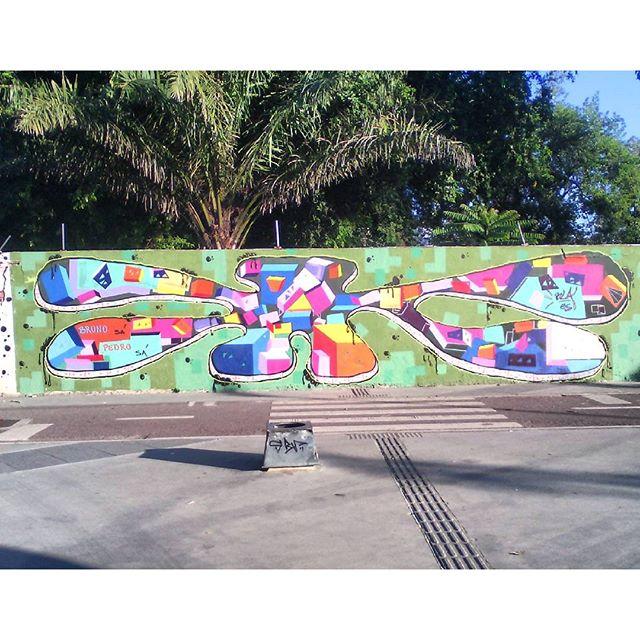 Finalmente pronto, vlw cada tinta, cada dinheiro! Dedico essa arte a 2 artistas, meus primos lindos, Pedro e Bruno Sá! Maracanã,RJ #instaart #spray #riodejaneiro #rj #instagraffiti #graffiti #graffite #artederua #art #artist #urbanart #graffitibrazil #graffitebrazil #loveart #spraypaint #streetart #freestyle #graffitirj #graffrio #rua #mtn #hiphop #streetartrio #ruasdazn #tafaltandomuro