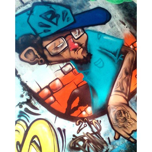 """Finish! Paint do dia! NÃO ADIANTA! graffiti ta na veia! Posso pintar em ateliê, com guache, óleo, acrílica, aquarela ou até tatuagem! Mas garffiti """"num paro""""! Num abandono as raízes! #felipeblunt #streetart #streetartrio #graffiti #graffitiink #goevolution #gograffiti"""