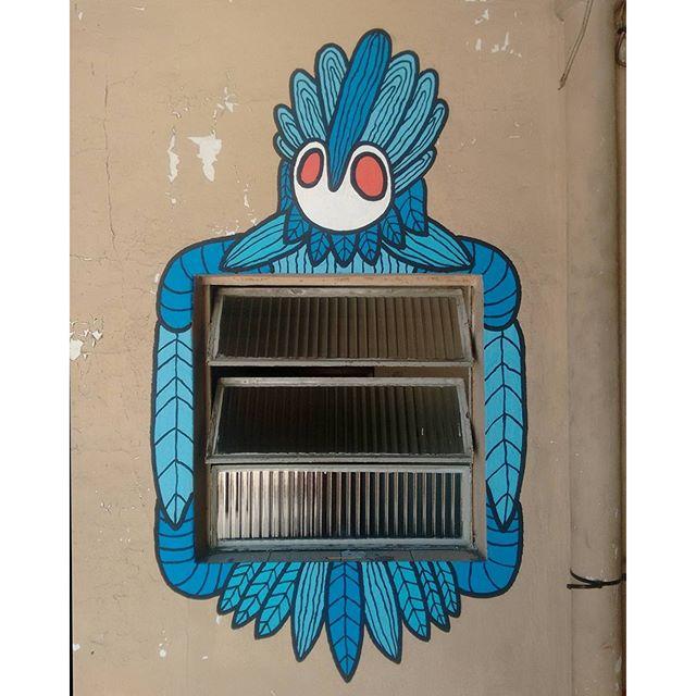 Janela indiscreta #artdecor #graffitirj #graffitirio #streetart #streetartrio #graffiti #arteurbana #art #sprayart #artistaurbano #rjgraffiti