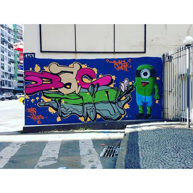 O bom filho à casa torna !! JC Bac mostro e theus !! Lis trapa Crew quando tu acorda eu vou dormi!!! #instaart #spray #riodejaneiro #rj #instagraffiti #graffiti #graffite #artederua #art #artist #urbanart #graffitibrazil #graffitebrazil #loveart #spraypaint #streetart #freestyle #graffitirj #graffrio #rua #mtn #hiphop #streetartrio #ruasdazn #trapacrew #tafaltandomuro