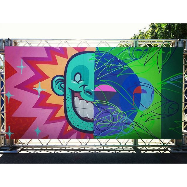 Painel completo com o @pia_malingua. #streetartrio #arteurbana #graffiti #kovokcrew