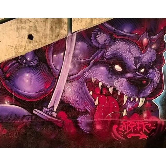 Panda raivoso samurai hahahaha Mais um dia de brincadeira !!! #raios #ftg #abp #zoteam #graffiti #graffitiart #streetart #streetstyle #streetartrio #free #freestyle #panda #downhillstreet