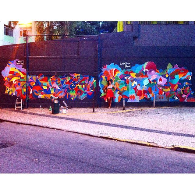 Sorte #desenhododia #muro #graffitiart #painting #streetart #sketch #color #desenhocontemporaneo #blues #artederua #pincel #contemporaryart #contemporarypainting #pinturão #artwork #streetartrio #rj #ipanema #rua #painel #paisagem #landscape #wallpainting #parceria #parceriaforte #art