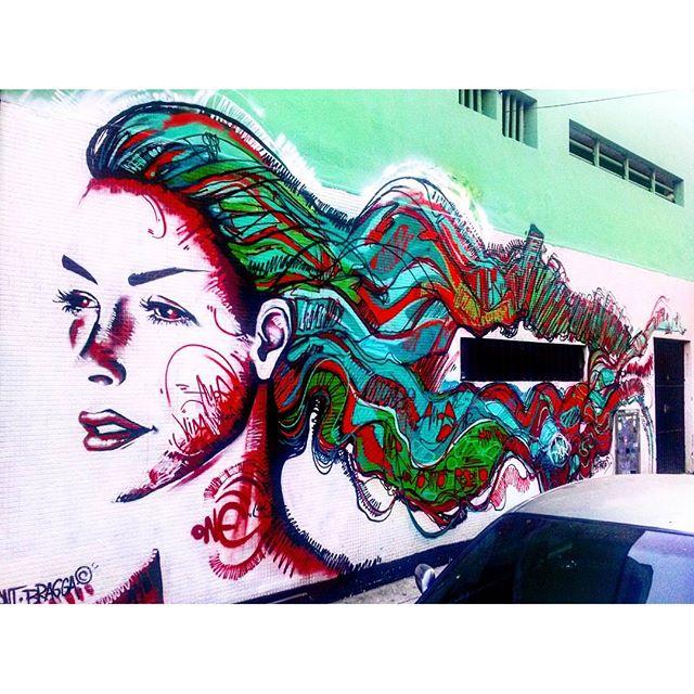 #StreetArtRio Grafite na parede externa da lanchonete Sanduka, no Humaitá. Artista: @marceloment (Ment) Tirada em 21/04/2016