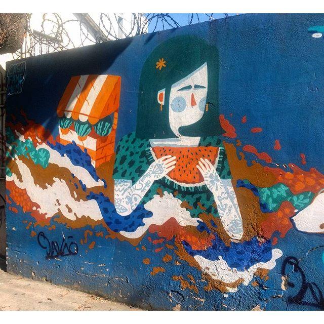 #StreetArtRio Mural na rua Doutor Satamini perto da esquina com a rua São Francisco Xavier, na Tijuca; 2/4 Artista no detalhe: @viniciuscarvas (Cash) Tirada em 25/12/2015