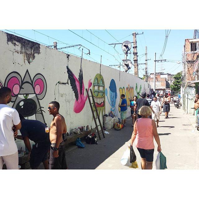 Ta bonito e ao vivo #trapacrew #streetart #streetartrj #streetartrio #graff #graffiti #grafite