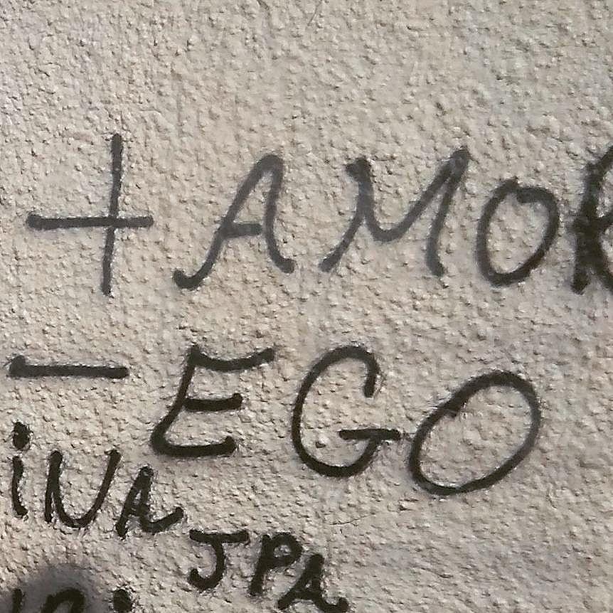 A mensagem está pelos muros da cidade.  #streatart  #urbanart #streetartrio #poetasdoasfalto #poetasdosmuros