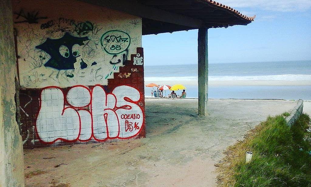 Eu tava ali .... #GraffitiBrasil #GraffitiRioDeJaneiro #Graffiti #StreetArtRio #StreetArt #ArteDeRua #ArtUrban #ArteUrbana #Arte  #Rua  #ILoveBombing #Bomb #Letters #Letras #HipHop #HipHopGirl  #RjVandal #Vandal #RioDeJaneiro #Araruama #Praia #Sol #Mar #GraffitiNaPraia #Brasil #Oceano #OceanoAtlantico #InstaGraffiti #LiksGraffiti #Liks